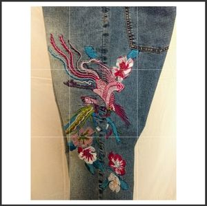 Distressed Embroidered Flare Bottom Jean-13/14 Jrs